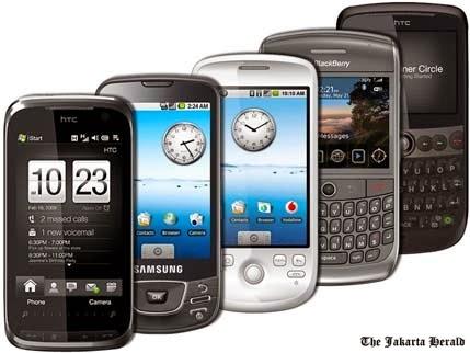 ialah telepon genggam atau telepon seluler  Apa Bedanya Handphone dengan Smartphone?