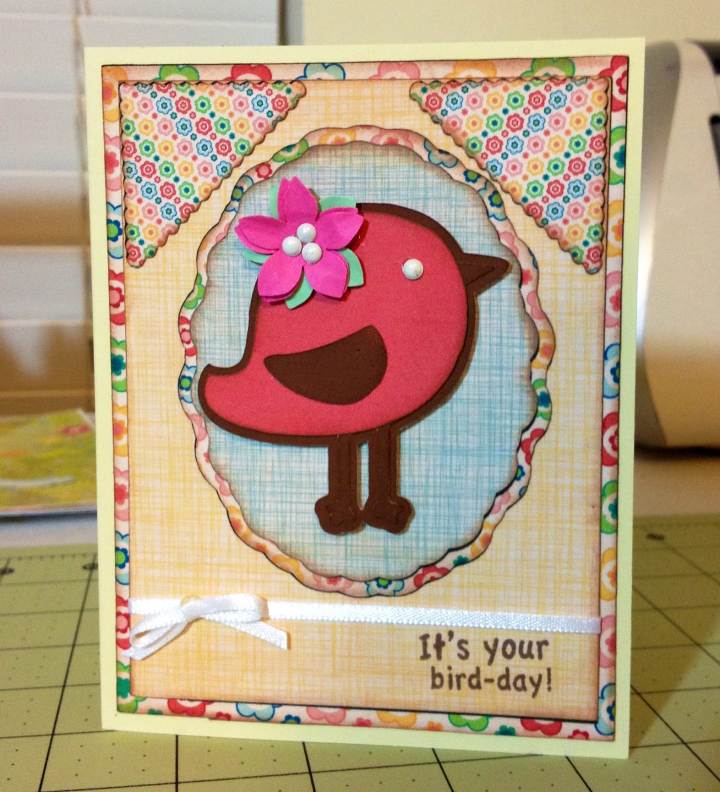 Marilyn 39 s cricut cards bird day card for Imagine crafts craft mat