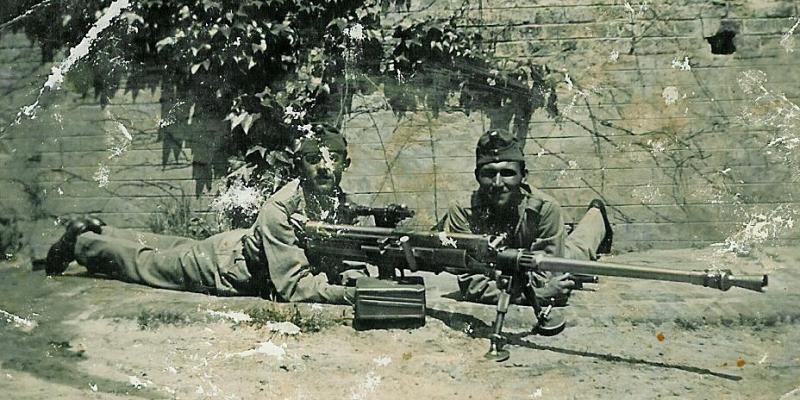 A lőszerek kétféle anyagú hüvellyel készültek  eleinte galvanizált  vashüvellyel 901bfc4f95