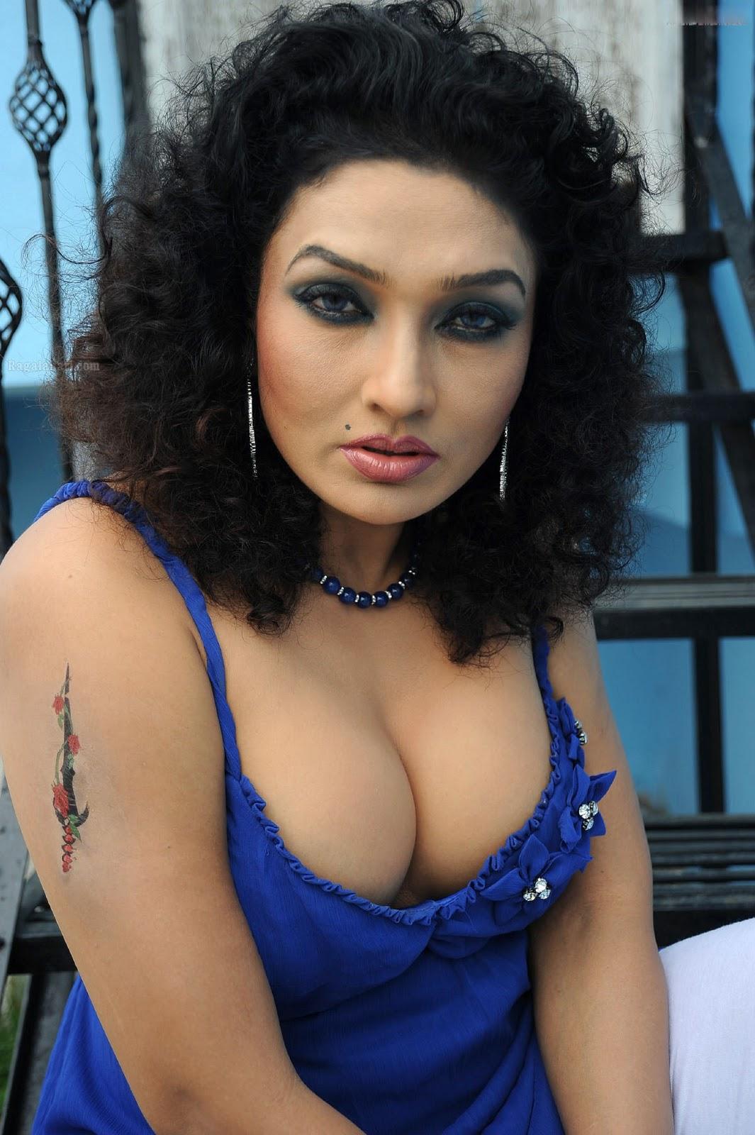http://3.bp.blogspot.com/-O8qCL_AUxnI/Ts3kKzHufUI/AAAAAAAACGs/qfkhIXOIwsQ/s1600/ramya+sri+hot+sexy+nude+%252810%2529.jpg