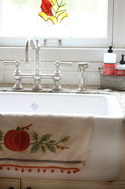 Shaw's farmhouse sink-www.goldenboysandme.com
