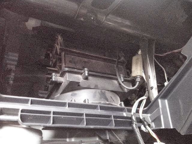 Pasang Filter Ac Pada Mobil Suzuki Apv