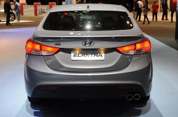 car i Hyundai Elantra 2014
