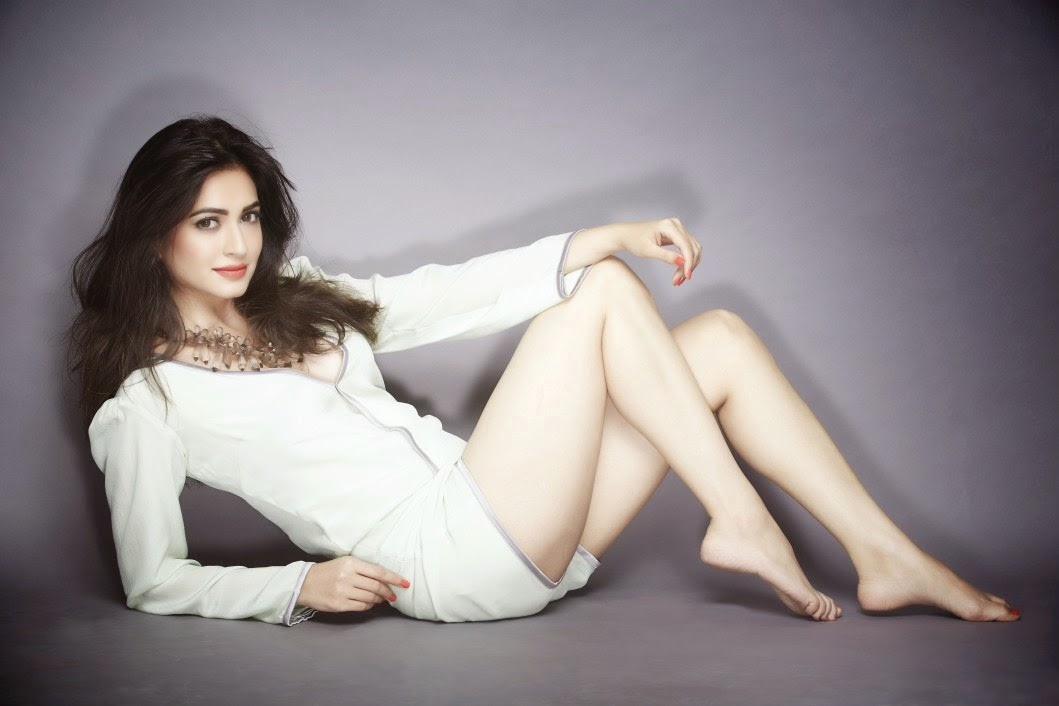 Kriti Kharbanda Latest Photo Gallery