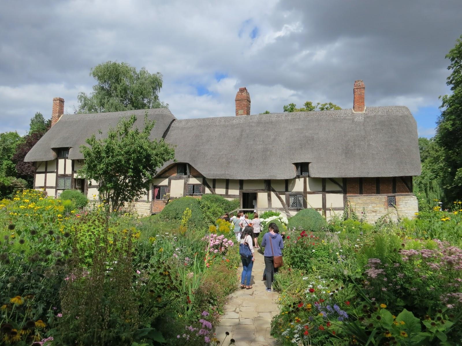 Qui m 39 aime me suive stratford upon avon le village de shakespeare - Faire peur aux oiseaux jardin ...