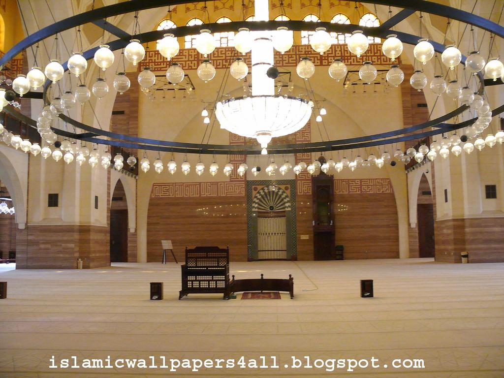http://3.bp.blogspot.com/-O9PHhwUhCqc/TgkSbW0NWcI/AAAAAAAAAAk/mX499B6vvKs/s1600/Al+Fateh+Mosque+in+Manama+-+Bahrain+%2528interior%2529.jpg