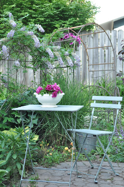 pretty garden tour