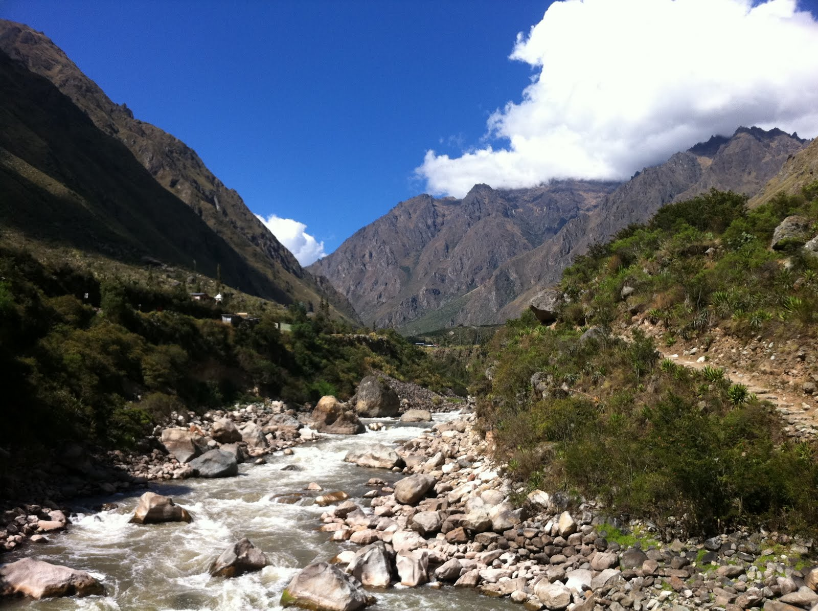 Urubamba River It's a Big Sky: Run Al...