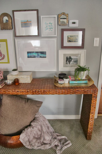 """console entry table"""