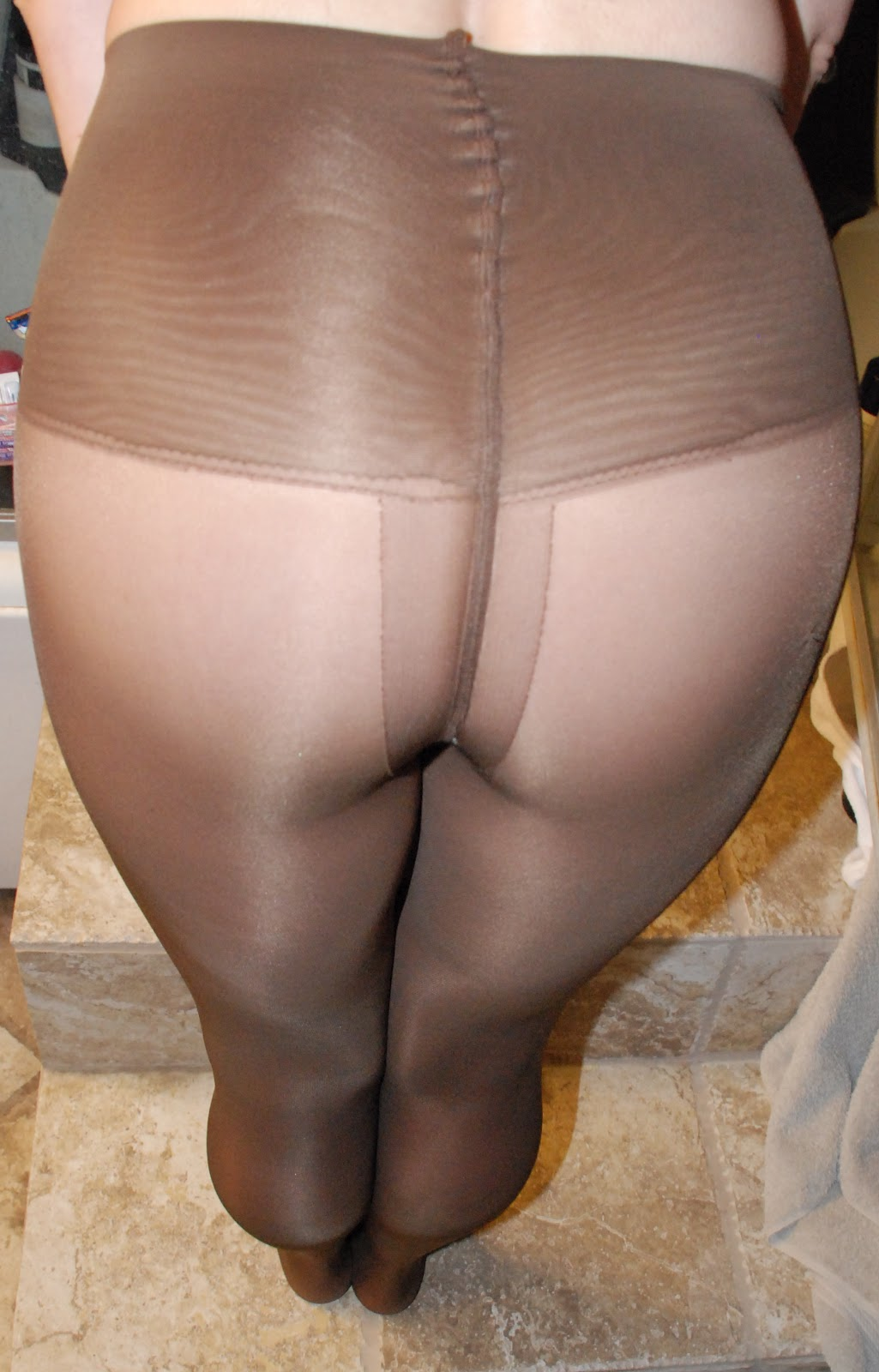 Lick that Wet pantyhose pictures