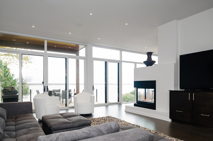 Living room in Amazing Ottawa River House by Christopher Simmonds Architect
