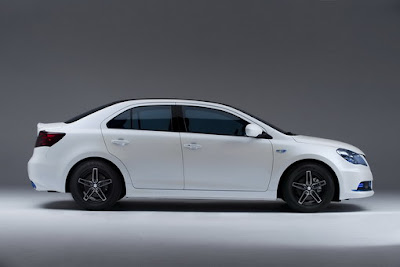 Suzuki-Kizashi-EcoCharge-Side