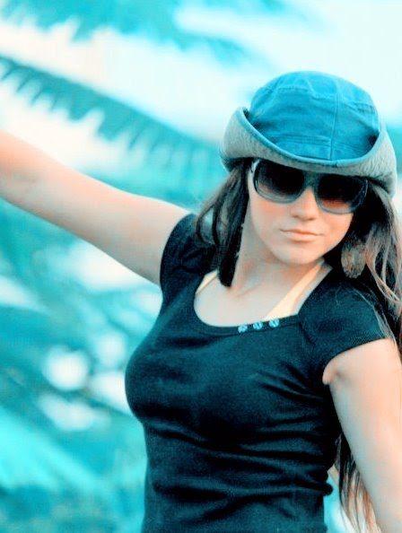 Stylish Girls Pictures 2011:Profile Pictures,Display Pictures