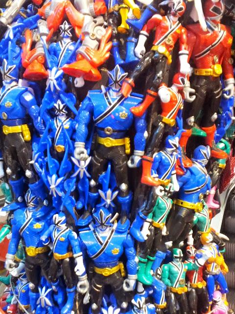 Hamleys, London, Toys, Power Ranger, statue