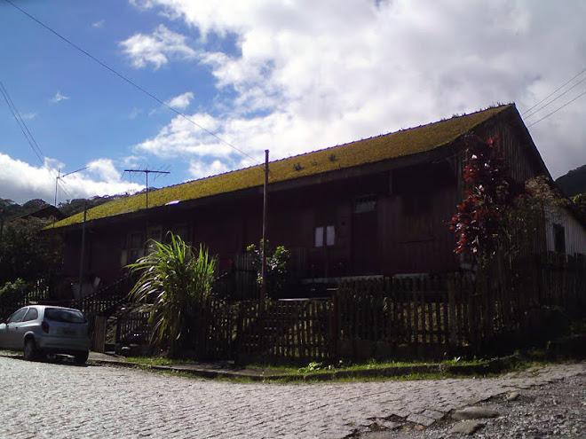 Casa geminada (Paranapiacaba)