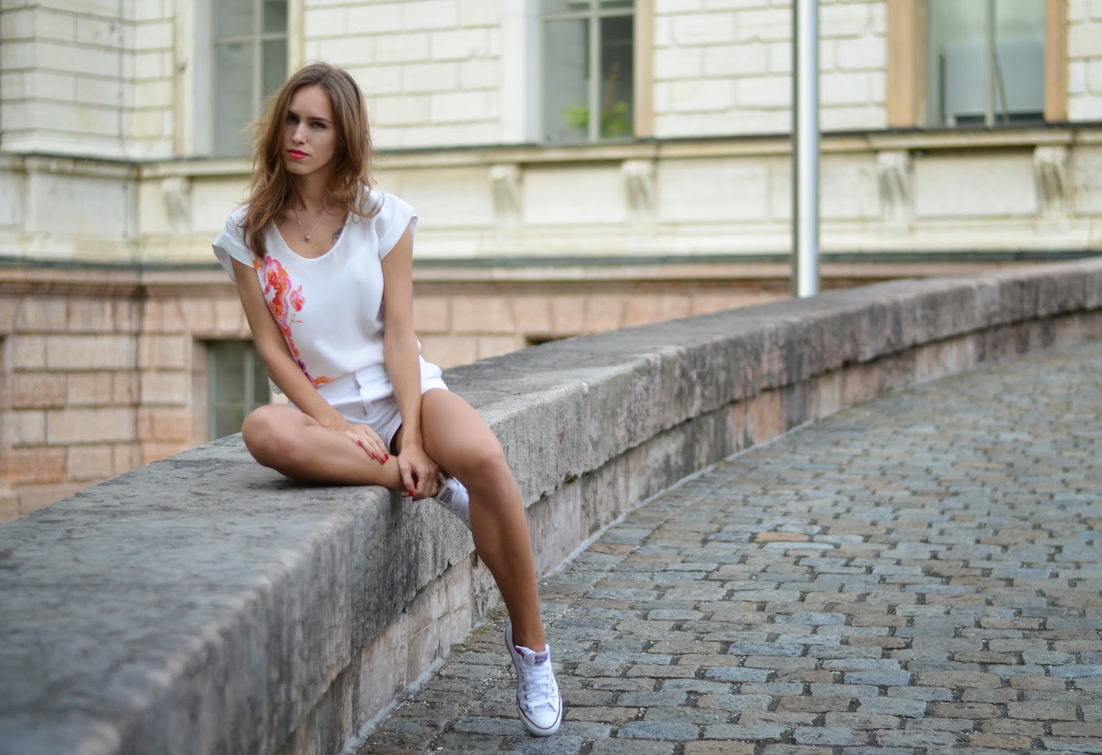 kristjaana mere summer white outfit