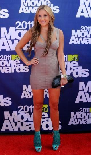 Sexy Actress Amanda Bynes engagement