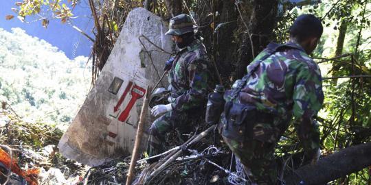 Pesawat latih milik AU jatuh di Subang