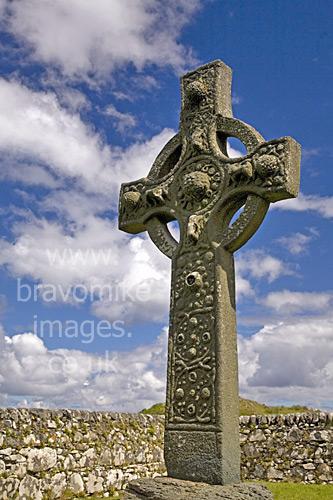 Islay`s Kildalton Cross   One Of The Finest Celtic Crosses In Scotland
