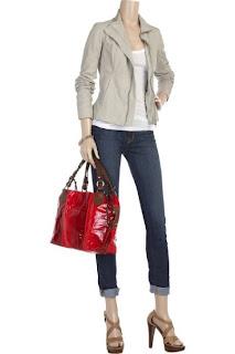 kako-nositi-crvenu-torbu-07