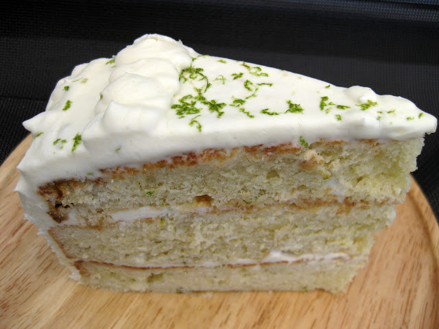 This gin and tonic cake experiment was delicious.