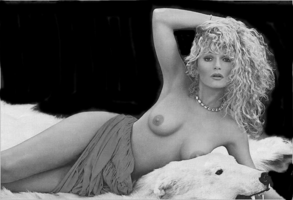 Valerie Perrine Nude 65