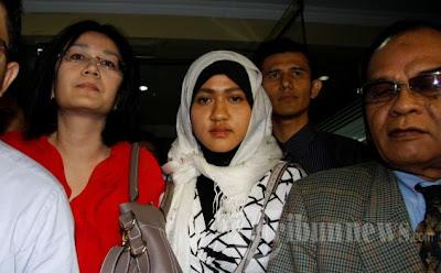 Kumpulan Foto Fany Octora Mantan Istri Aceng Fikri Bupati Garut 04