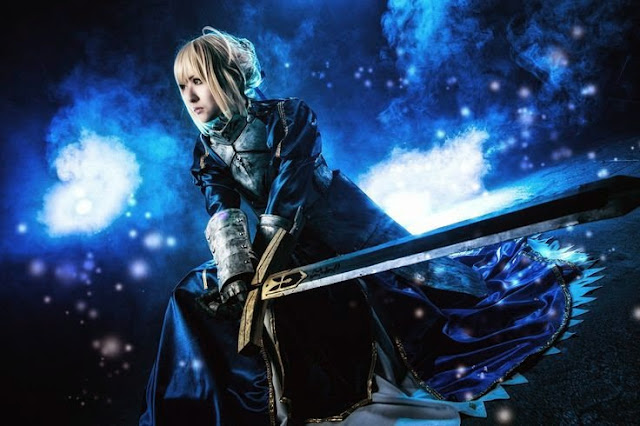 Cosplay Saber z Fate/stay night: Unlimited Blade Works 2
