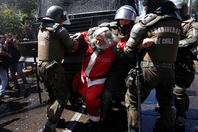 Papa Noel marchó preso