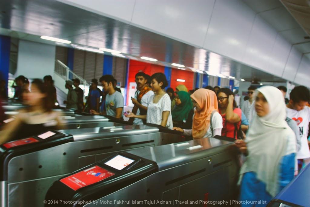 Keretapi Sarong No Pants Subway