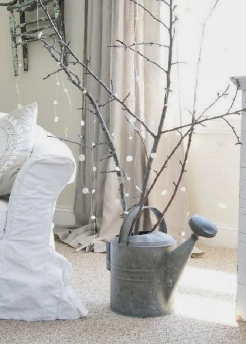 Arboles de navidad con ramas secas adornos for Ramas blancas decoracion