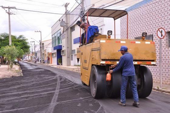 Área central e bairros de Caxias recebem investimentos em asfalto