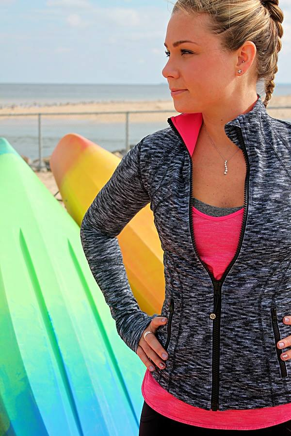 lululemon dramatic-static-define bon-bon-what-the-sport