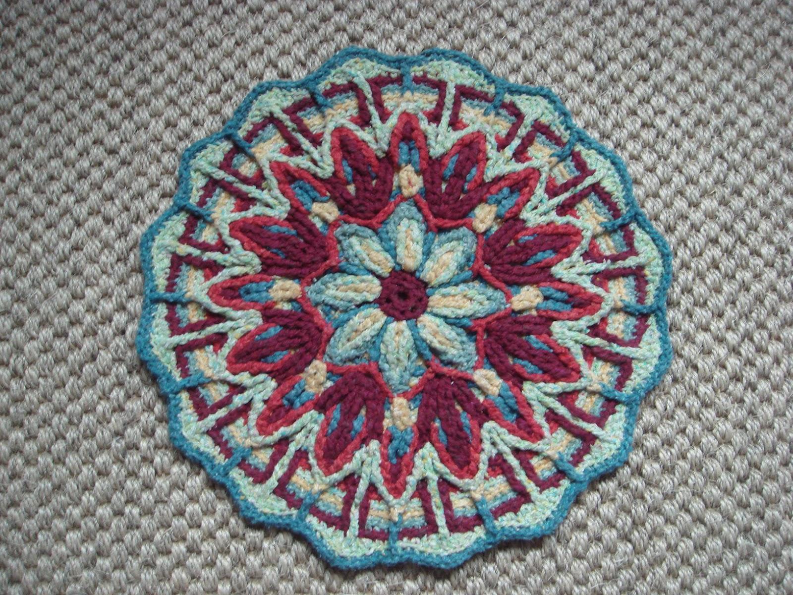 Crochet Patterns For Mandala Yarn : Extreme Knitting Redhead: Beautiful crochet mandala