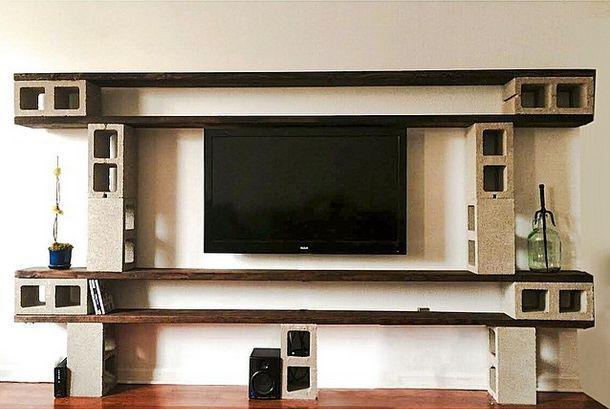 طاولة لتلفاز مصنوعة بالياجور