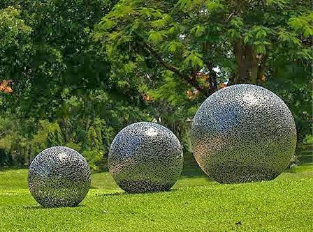الصخور الدائرية العملاقة بكوستاريكا
