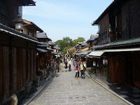 二年坂、京都らしい情緒、風情のある場所である