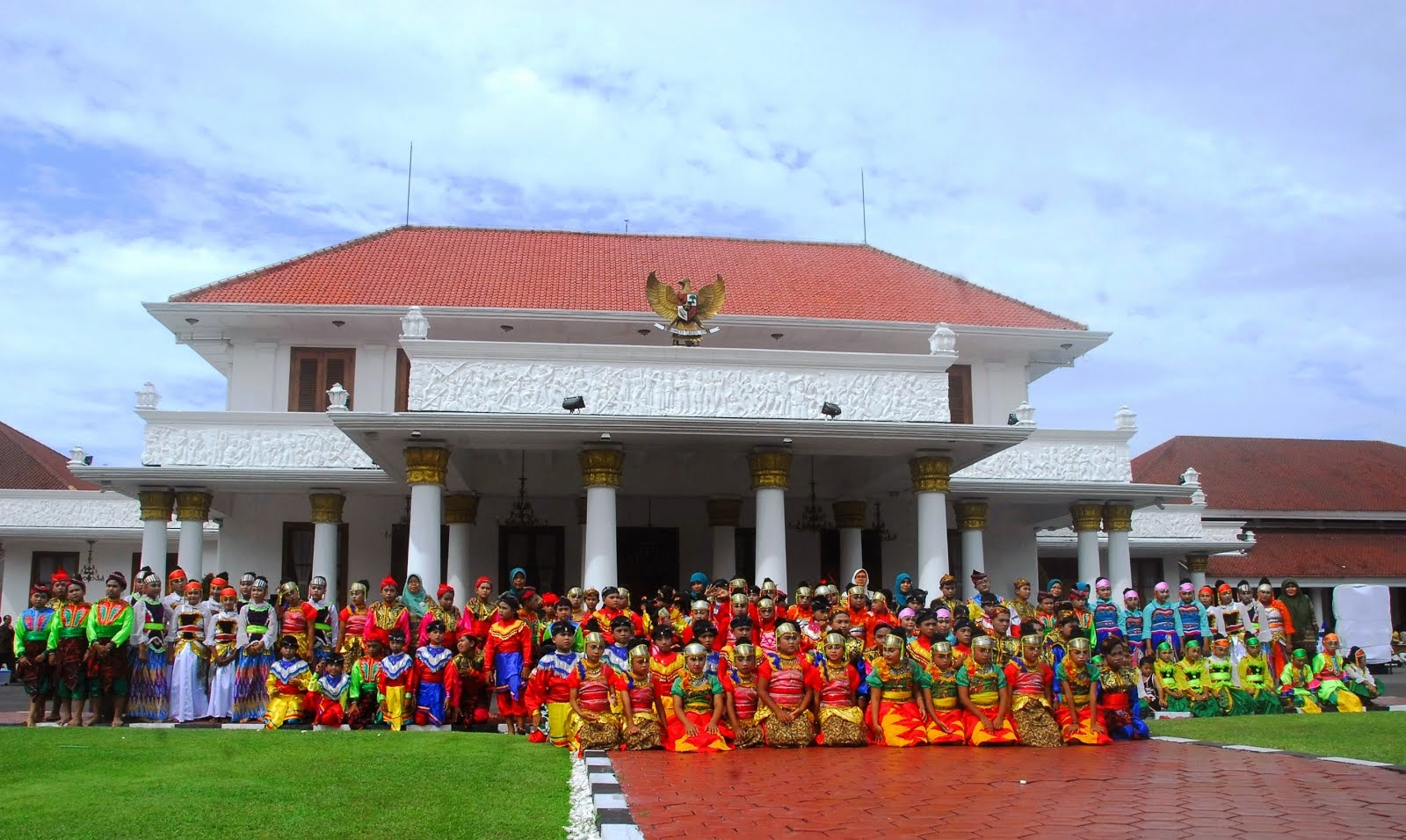 Parade Senja di Gedung Grahadi 2015, Surabaya JATIM.