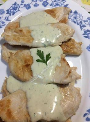 Filetitos De Pollo Con Salsa Roquefort