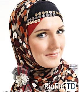Jenis Jilbab untuk Bentuk Wajah Lonjong
