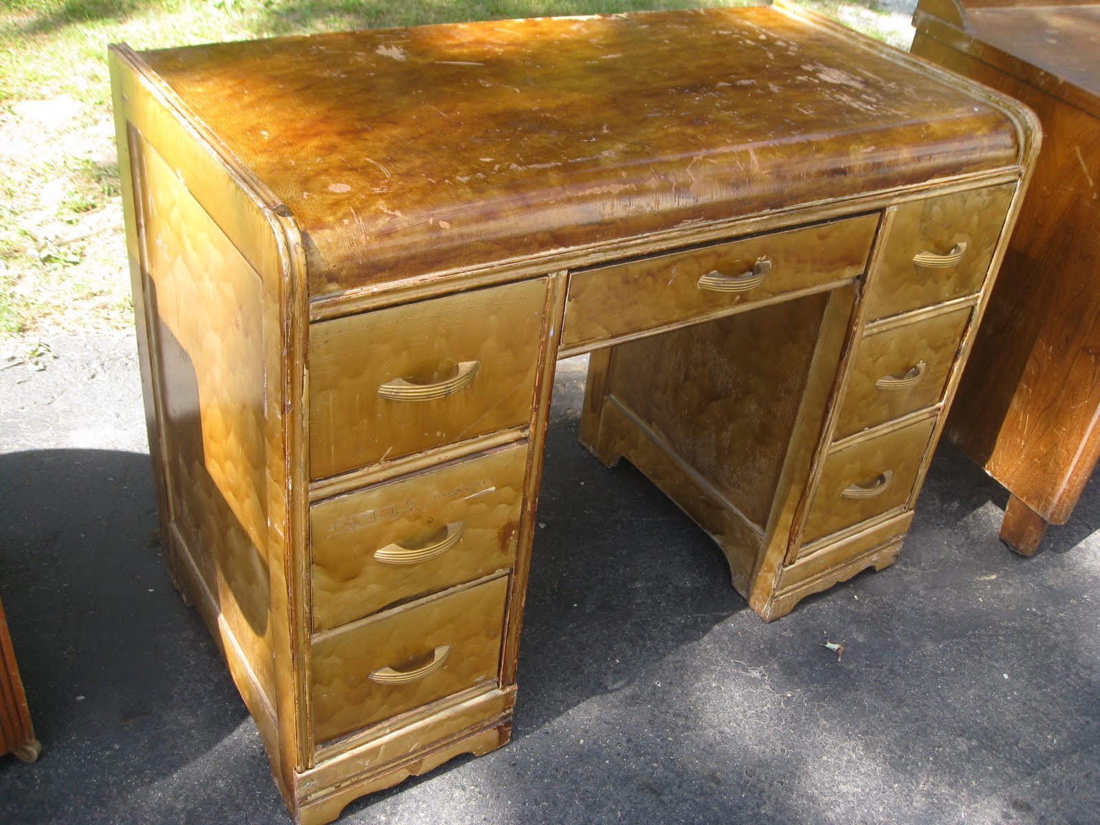 Kammy s Korner Waterfall Desk Before and After