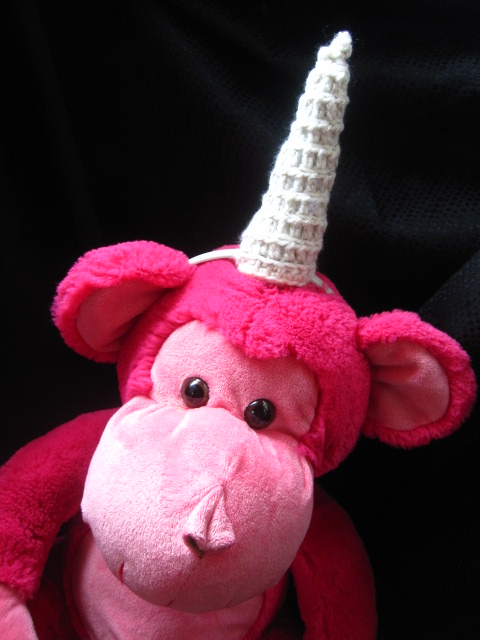 The Curious Pebble Project: Amigurumi Unicorn Horn