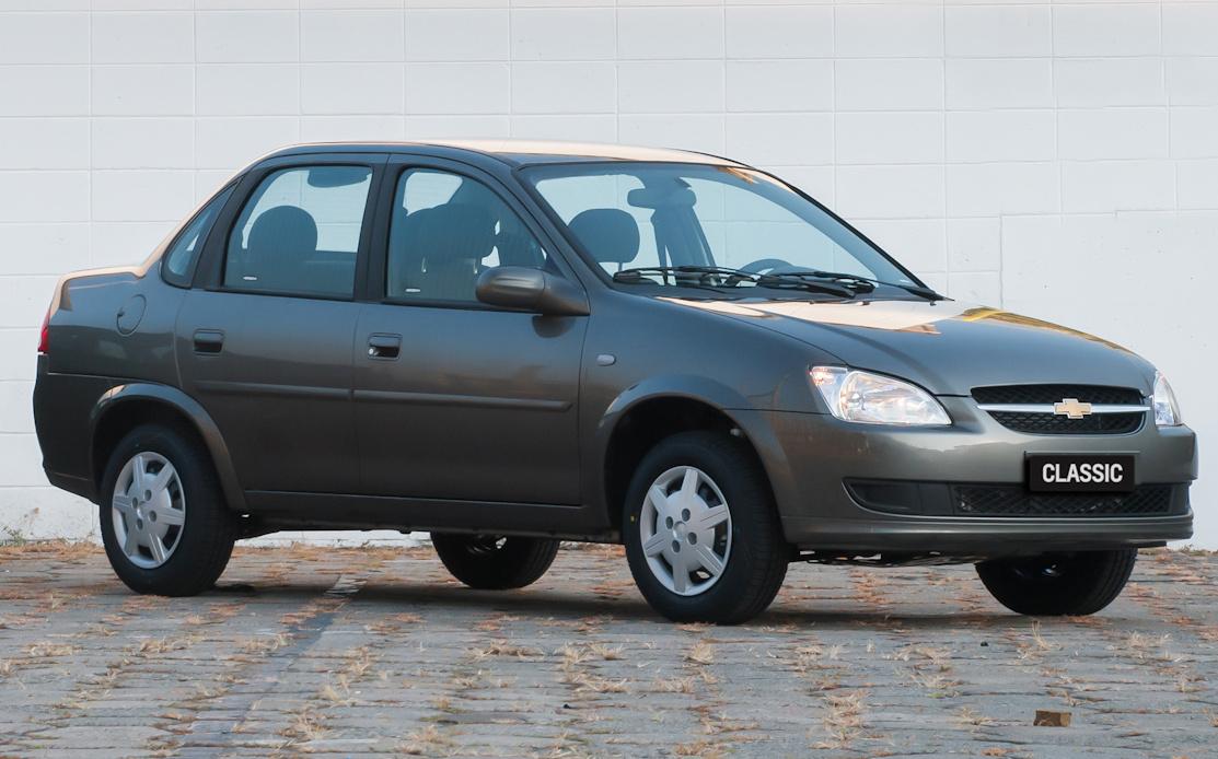 Segundo a Chevrolet, o Classic 1.0 VHCE, quando abastecido com