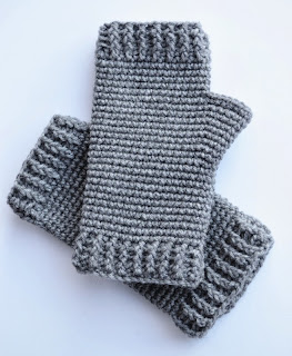 Men's Fingerless Gloves at Over The Apple Tree