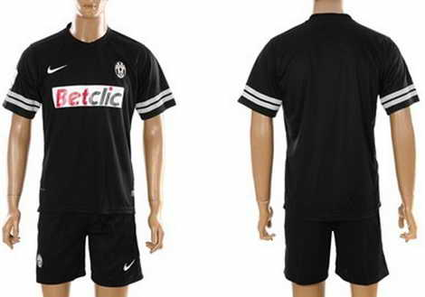 nike shox leapers vc - Juventus Home and Away Shirt 2012-2013 | Footy Kits