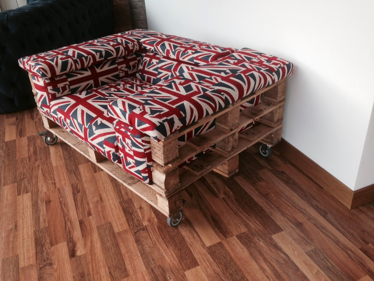 Divano Pallet Vendita : Santambrogio salotti produzione e vendita di divani e letti