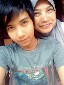 saya dan ibu saya paling saya sayang