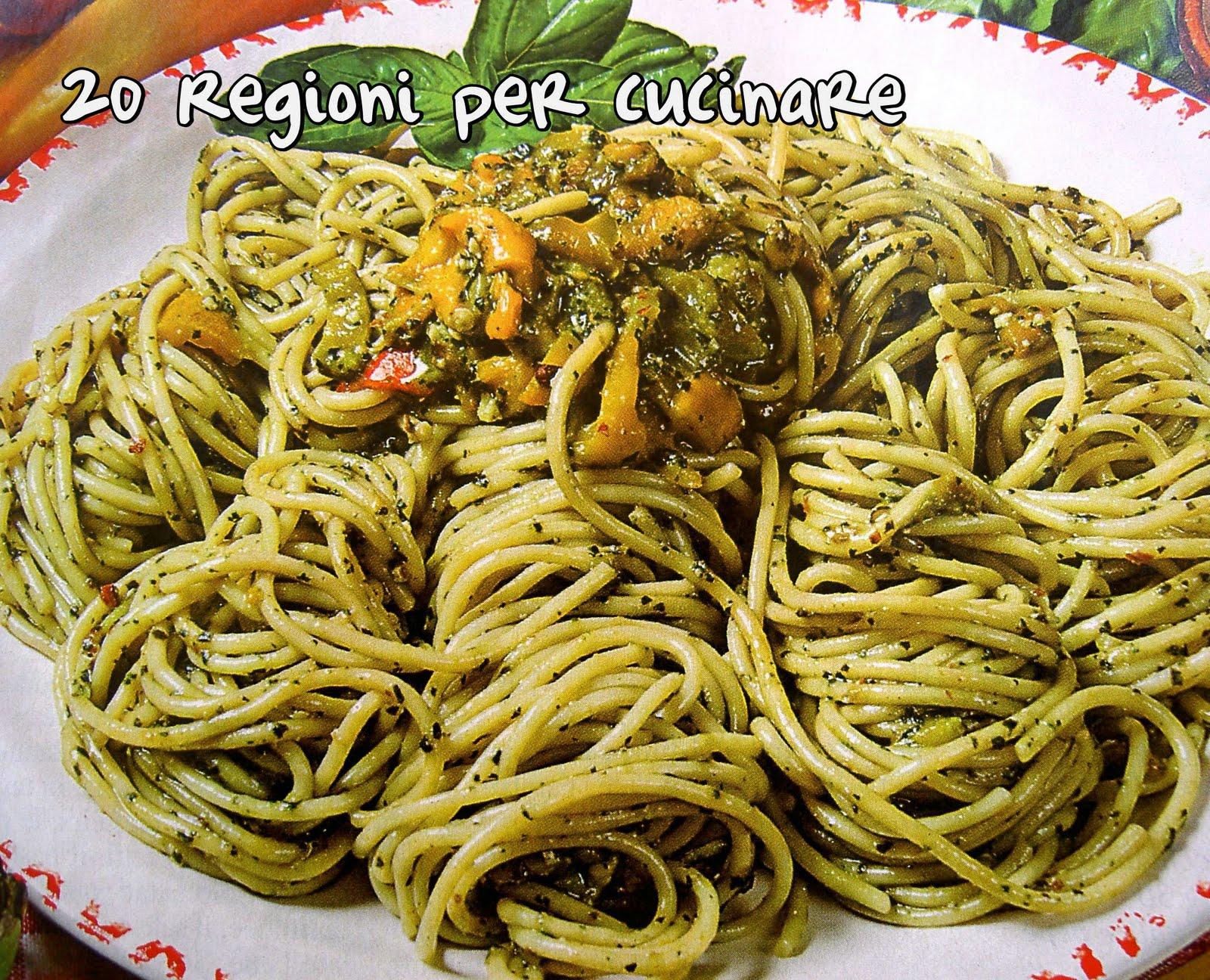 20 regioni per cucinare spaghetti con peperoni al pesto for Cucinare per 20 persone