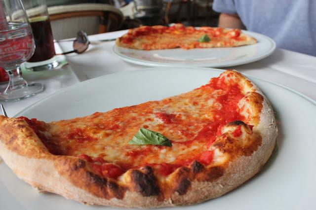 Margherita pizza at Ristorante La Pergola, Positano, Italy