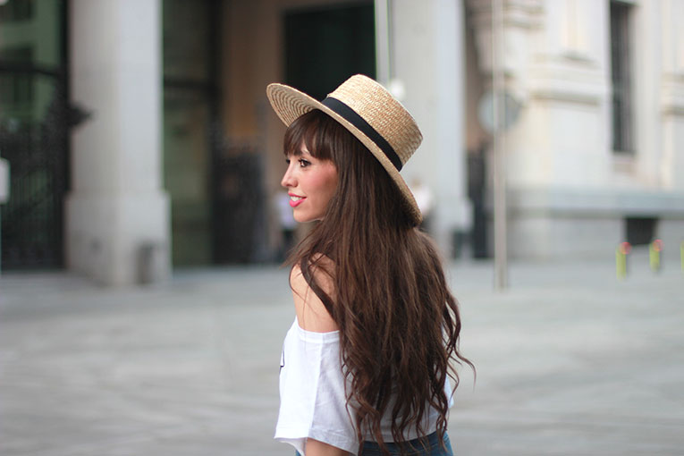 Summer outfit, street style, hat, crop top, high waisted shorts, long hair